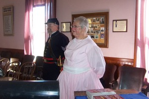 Sergeant Eric Boothroyd and Mrs. Mary Annis talk with the children about the Civil War Era.